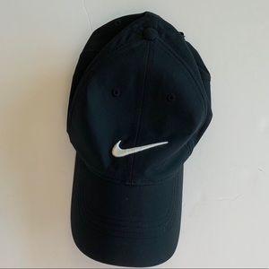 Black Nike hat